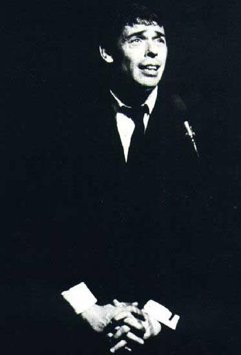 Jacques Brel en una sentida interpretación de «Ne me quitte pas»