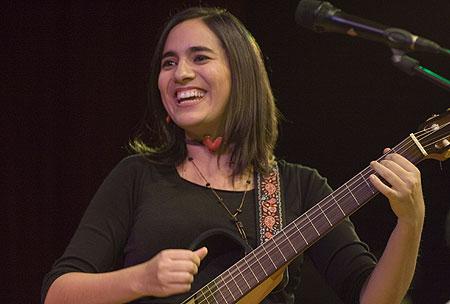 Marta Gómez presenta a García Lorca en el BarnaSants 2011 © Xavier Pintanel