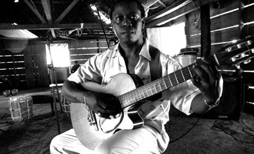 El músico garífuno Aurelio Martínez. © Manuel Rojo