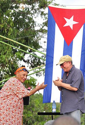 Omara Portuondo y Silvio Rodríguez en El Cotorro, La Habana. © Kaloian Santos Cabrera