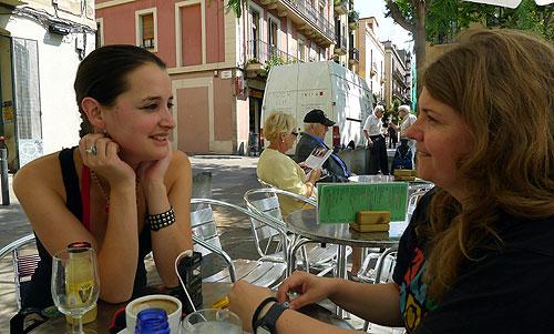Pascuala Ilabaca y Maria Salicrú-Maltas, autora de esta entrevista. © Vicenç Sabotatge/Petit Indie