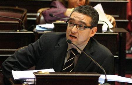 El senador Eric Calcagno (FPV).