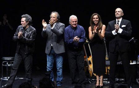 Miguel Ríos, Joan Manuel Serrat, Víctor Manuel, Ana Belén y Miguel Bosé.