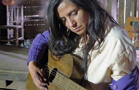 Fotograma de la película «Violeta se fue a los cielos».