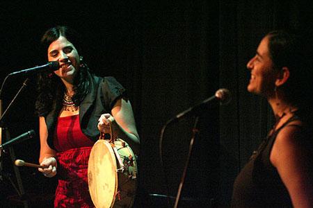 Georgina Hassan y Marta Gómez en Barcelona. © Xavier Pintanel