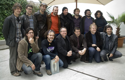 Los miembros del jurado junto a los premiados y finalistas del IV Premio Miquel Martí i Pol. © Xavier Pintanel