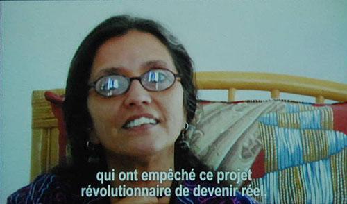 María Santucho, coordinadora del Centro Pablo de la Torriente Brau, en un fotograma del documental «Cuba también» de Silvia Mancini.