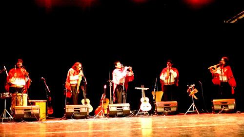 El grupo Alturas durante el concierto-homenaje a José María Arguedas en Madrid. © José Tomás