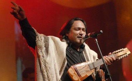 El riojano Sergio Galleguillo se quejó del horario de salida al escenario.