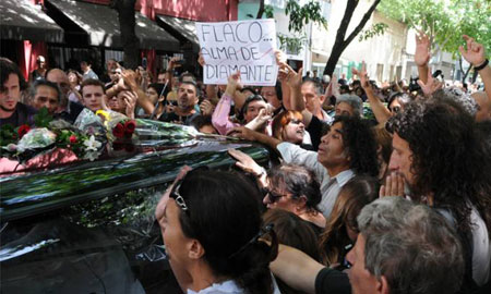 Argentina despide a Luis Alberto Spinetta. © Télam