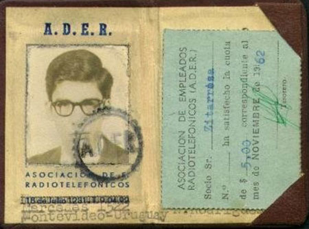 Tarjeta de socio de la Asociación de Empleados Radiotelefónicos de Alfredo Zitarrosa. © Fundación Alfredo Zitarrosa