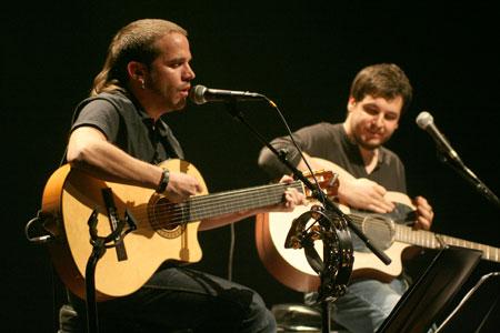 Cesk Freixas y Pau Alabajos en el Teatre Joventut de L'Hospitalet. © Xavier Pintanel