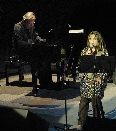 José María Vitier y Liuba María Hevia en el espectáculo «Se dice cubano» el pasado 16 de junio de 2011. © Carolina Vilches