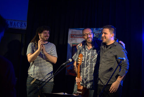 Álvaro Ruiz, Alejandro Ferre y Alberto Leal durante la presentación del disco «De amores y rayuelas» en La Estación de Sevilla. © Alicia Albarrán