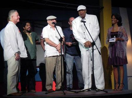 El Comité del premio de la Feria Internacional Cubadisco 2012 otorgó por vez primera Gran Premio Extraordinario al maestro Chucho Valdés por el disco «Chucho
