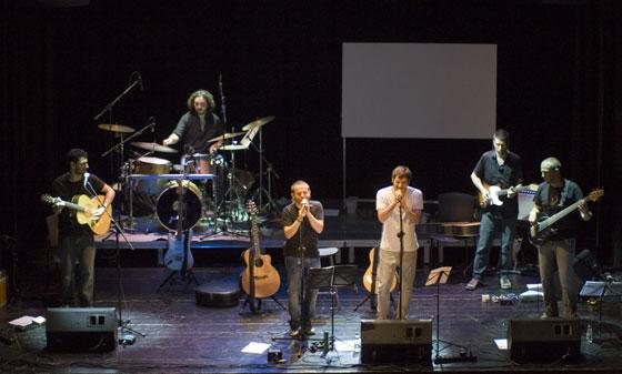 Ferran Orriols «Nandu», cantante del grupo Nyandú fue unos de los invitados en la presentación de su nuevo disco en el CAT de Barcelona © Xavier Pintanel