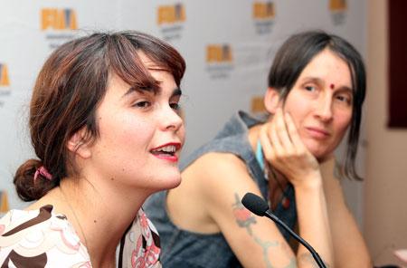 Camila Moreno y Andrea Echeverri en la rueda de prensa previa al concierto. © Prensa FIM