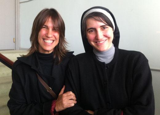 Lídia Pujol y Teresa Forcades. © Sònia Abella