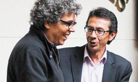 Pedro Guerra con el Ministro de las Culturas boliviano Pablo Groux.