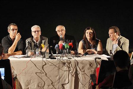 De izquierda a derecha, Pascual Egea (asociación de productores musicales), Daniel Martínez (asociación de teatros), Juan Ramón Gómez Fabra (Fedicine), Fátima Buenaventura (FAPAE) y Ángel Luis Sánchez (ARTE), este jueves, en Madrid.