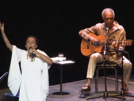 Susana Baca y Gilberto Gil en el concierto ofrecido el pasado viernes en Lima. © RPP