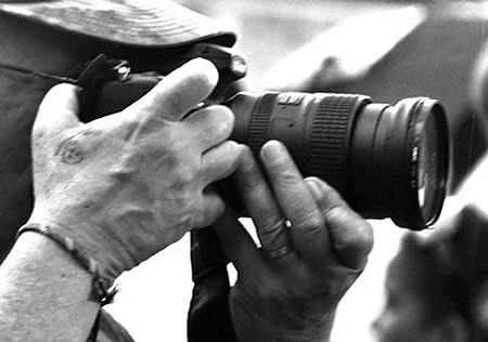 Silvio Rodríguez Fotografiando © Kaloian Santos Cabrera