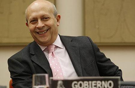 El ministro de Educación y Cultura José Ignacio Wert, que defiende la separación de sexos en las escuelas y prefiere la música en inglés, es el que garantiza un buen nivel educativo y cultural en el estado español.