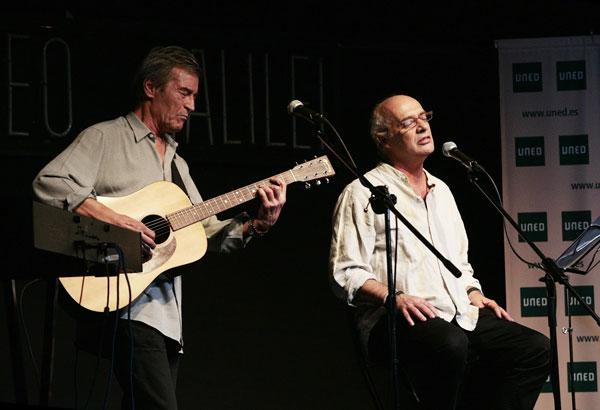 Joan Isaac acompañado por Luis Mendo. © Juan Miguel Morales