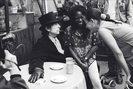 Fotografía del rodaje de Bob Dylan del vídeo «Blood in my eyes» (Sangre en mis ojos), que se expone desde ayer en Londres. © Ana María Vélez-Wood