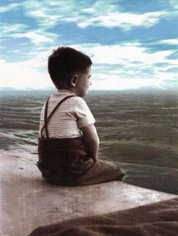 «El niño que miraba el mar»