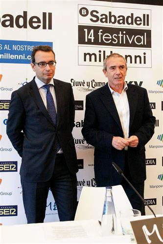 A la derecha Martín Pérez, director del Festival del Mil•lenni, junto al vicepresidente del Banc de Sabadell —patrocinador del Festival— en la presentación de hoy. © EP