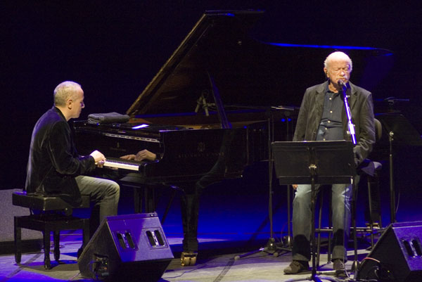 Gino Paoli con el pianista Danilo Rea. © Xavier Pintanel