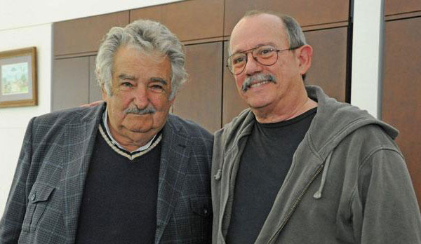 El presidente uruguayo José Mujica con Silvio Rodríguez.