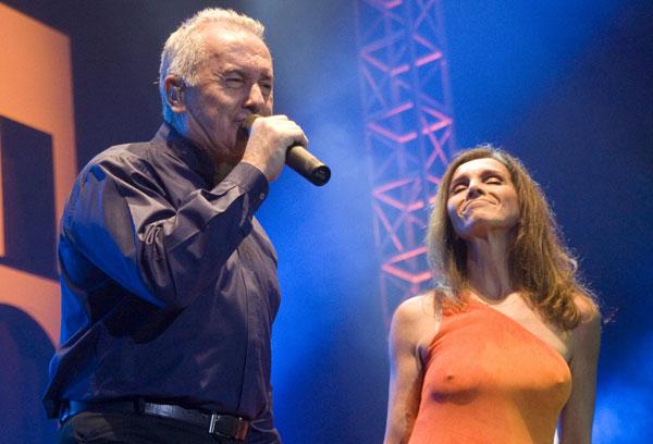 El asturiano Víctor Manuel y una bella y sensual Ana Belén cerraron esta primera jornada del Festival Todas la voces todas. © Pol Pintanel