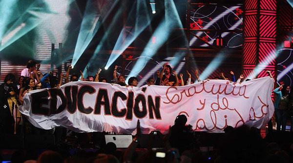 Estudiantes chilenos durante el concierto de Illapu en el Festival del Huaso de Olmué 2013.