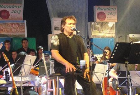 Víctor Heredia en el 39 Festival de Baradero. © Baradero Te Informa