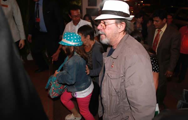 Silvio Rodríguez a su llegada al Hotel Los Tajibos de Santa Cruz (Bolivia). © Fuad Landívar