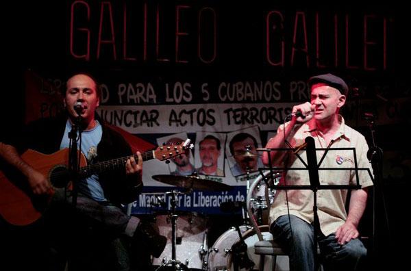 Armando Martínez y Germán Coppini en la Sala Galileo-Concierto «Por la liberación de los cinco». © Juan Miguel Morales