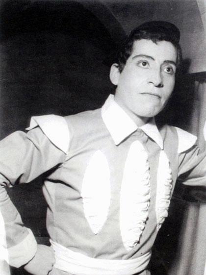 Víctor Jara en «La fierecilla domada» (1958) de William Shakespeare.