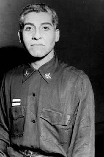 Víctor Jara en «El amor de los cuatro coroneles» de Peter Ustinov.