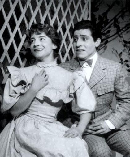 Víctor Jara en «Las de Caín» (1957). &copy René Combeau Trillat