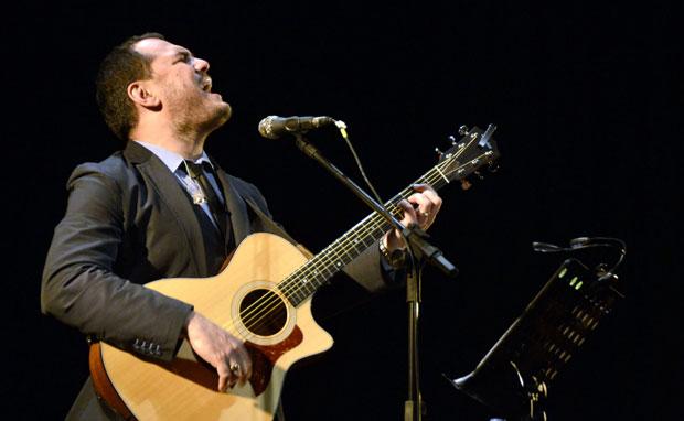 Ismael Serrano en el Teatro Municipal Coliseo Podestá, en la ciudad de La Plata, en Argentina. © Kaloian Santos Cabrera