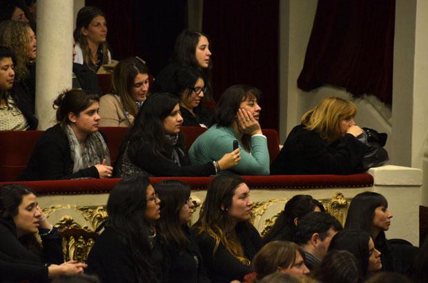 Público femenino en el concierto de Ismael Serrano © Kaloian Santos Cabrera
