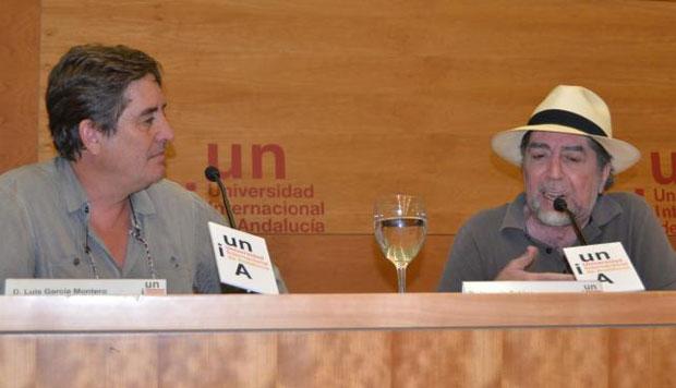 Luis García Montero y Joaquín Sabina durante la inauguración de los cursos de verano de la Universidad Internacional de Andalucía (UNIA) en Baeza. © UNIA