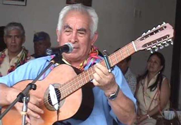 Arturo Reyes Rosales, conocido artísticamente como el «Jilguero de Llata».