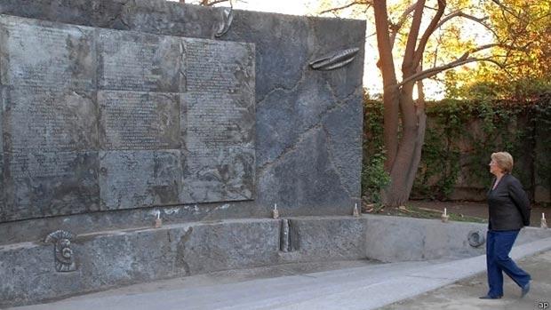 La expresidenta Michelle Bachelet estuvo detenida en Villa Grimaldi. En 1994 se inauguró en el lugar un memorial.