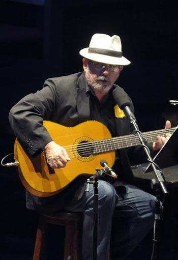 Silvio Rodríguez en la gala «Te doy una canción». © Tony Hernández Mena/AIN