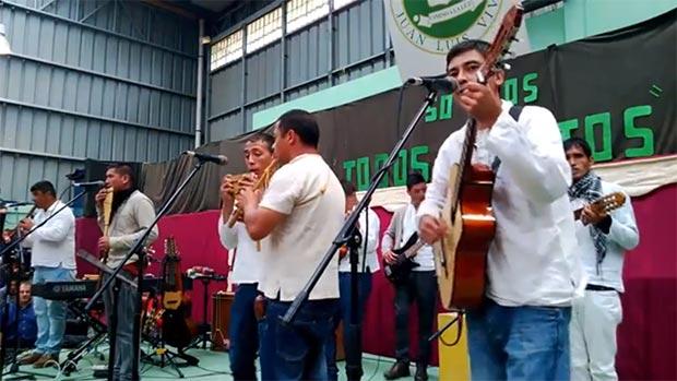 El grupo Rayén, compuesto por internos del Centro de Cumplimiento Penitenciario de Valparaíso (Chile).