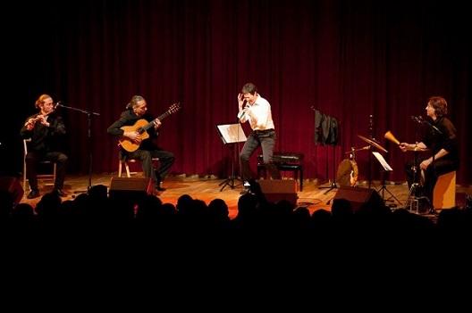 Tangos de la Resistencia: Pablo Andrés Giménez (flauta travesera), Gustavo Battaglia (guitarra), Sandra Rehder (voz), Pablo Cruz (percusión) © Pedro Mata