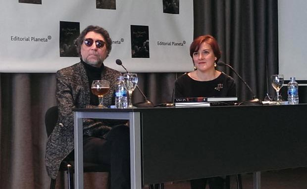 Joaquín Sabina durante la presentación de su libro «Muy Personal. Joaquín Sabina» en el Círculo de Bellas Artes de Madrid. © EP